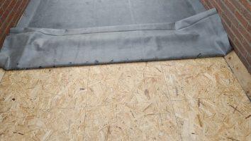 Voor de dakbedekking is gekozen voor EPDM-rubber. Een perfecte keuze van de klant, het gaat veel langer mee dan traditionele bitumen dakbedekking.