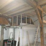 Realisatie van twee opbergruimtes die zijn voorzien van luiken.